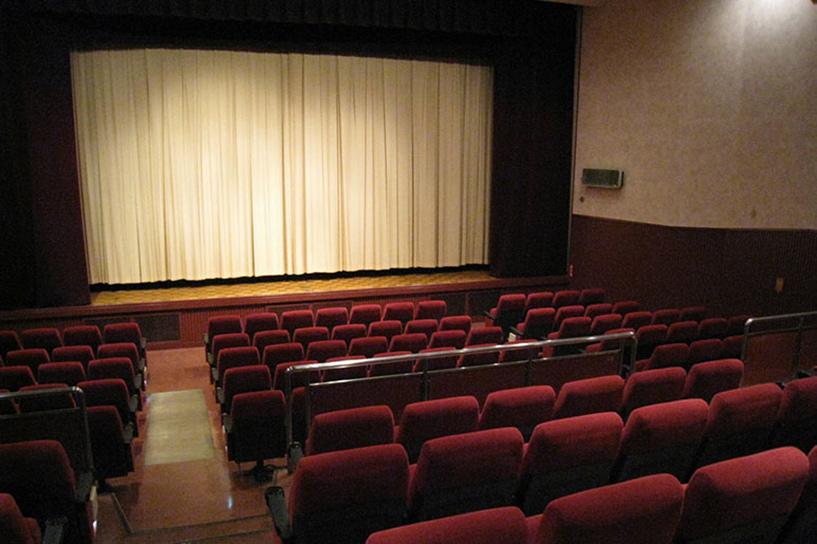 映画館で動画CMを有効活用!「シネアド(映画館CM)」の魅力・特徴・料金など